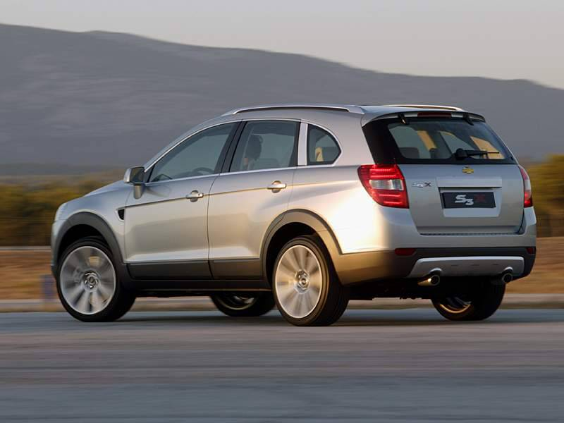 Chevrolet Captiva 2011 Price. new chevy captiva back view